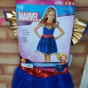 New captain marvel girls small 4-6 costume